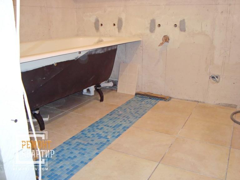 Мозаика на полу ванной комнаты