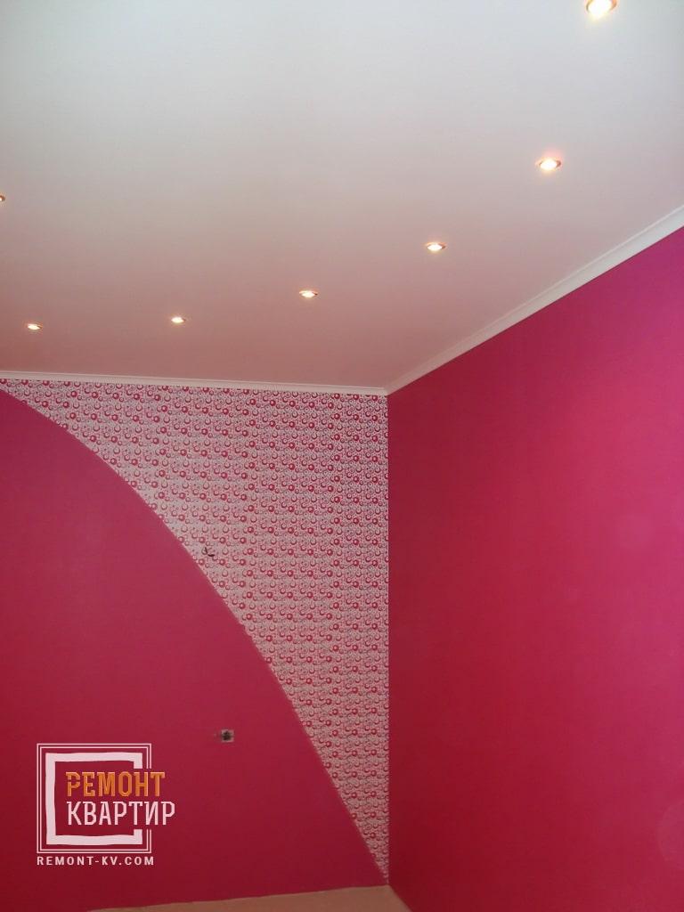 Комбинирование разных обоев на стене
