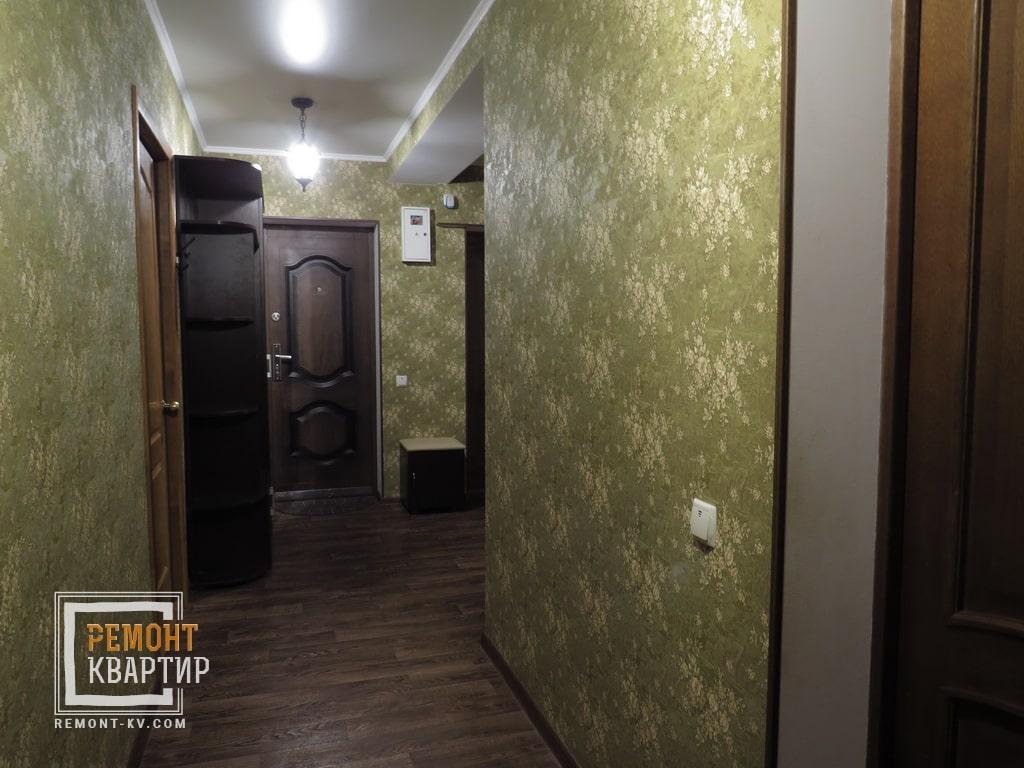Обои с подбором рисунка в коридоре