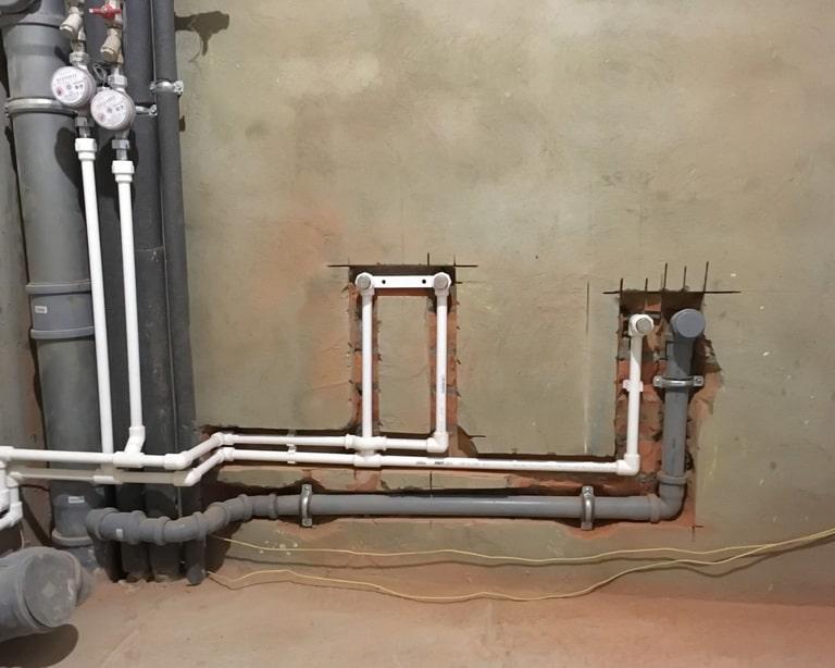 Утопление труб водопровода и канализации